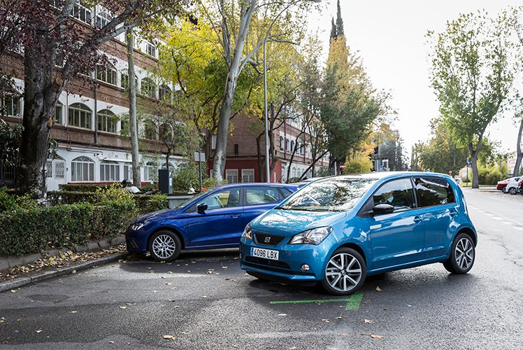 SEAT Mii Electric aparcando
