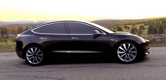 Tesla Model 3 lateral