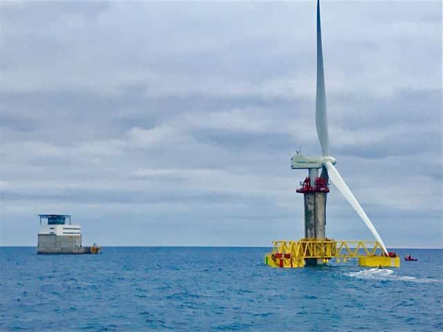 Primer aerogenerador marino España