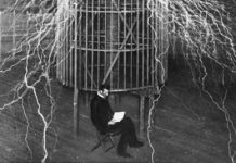 Nikola Tesla leyendo
