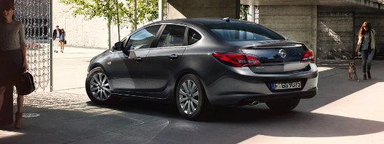 Opel Astra sedan GLP