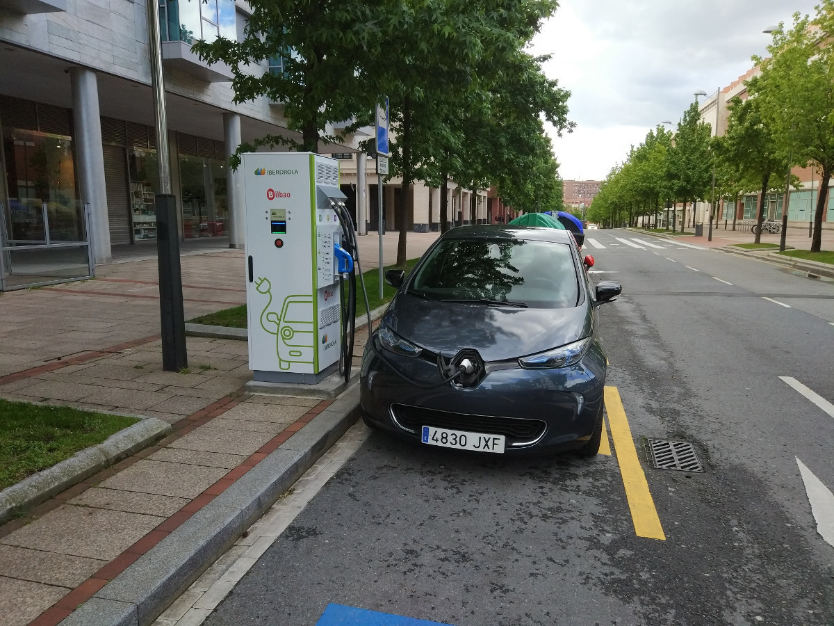 Renault ZOE recarga electrolinera