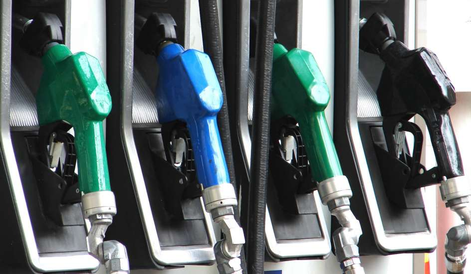 El calculador de la gasolina y la distancia