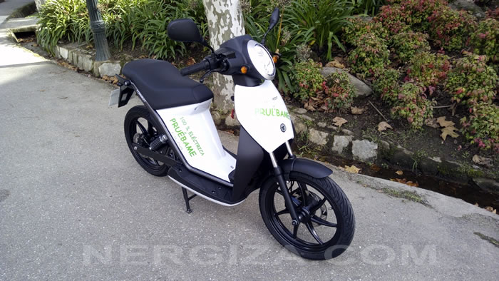 Torrot Muvi Executive frente