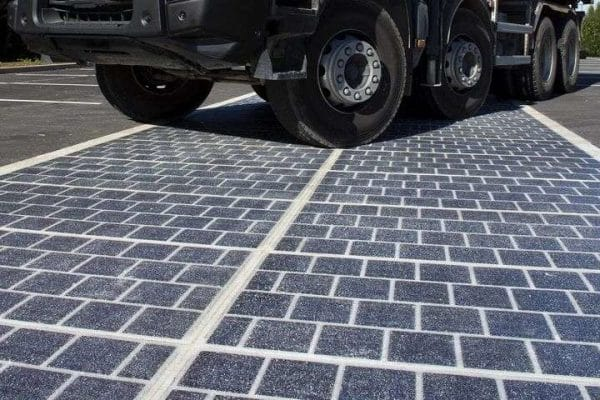 Carretera solar camión
