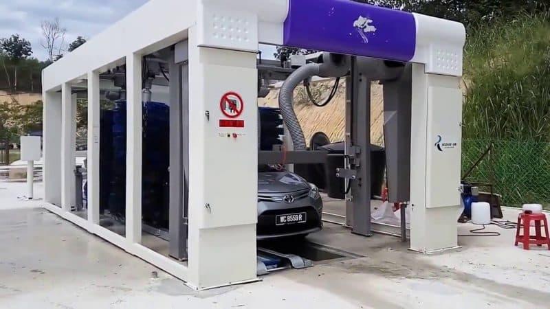 Túnel de lavado coche híbrido