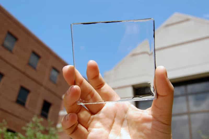 cristal transparente electricidad renovable